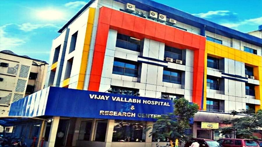 भारतको मुम्बईस्थित कोभिड अस्पतालमा आगलागी, १२ जनाको मृत्यु